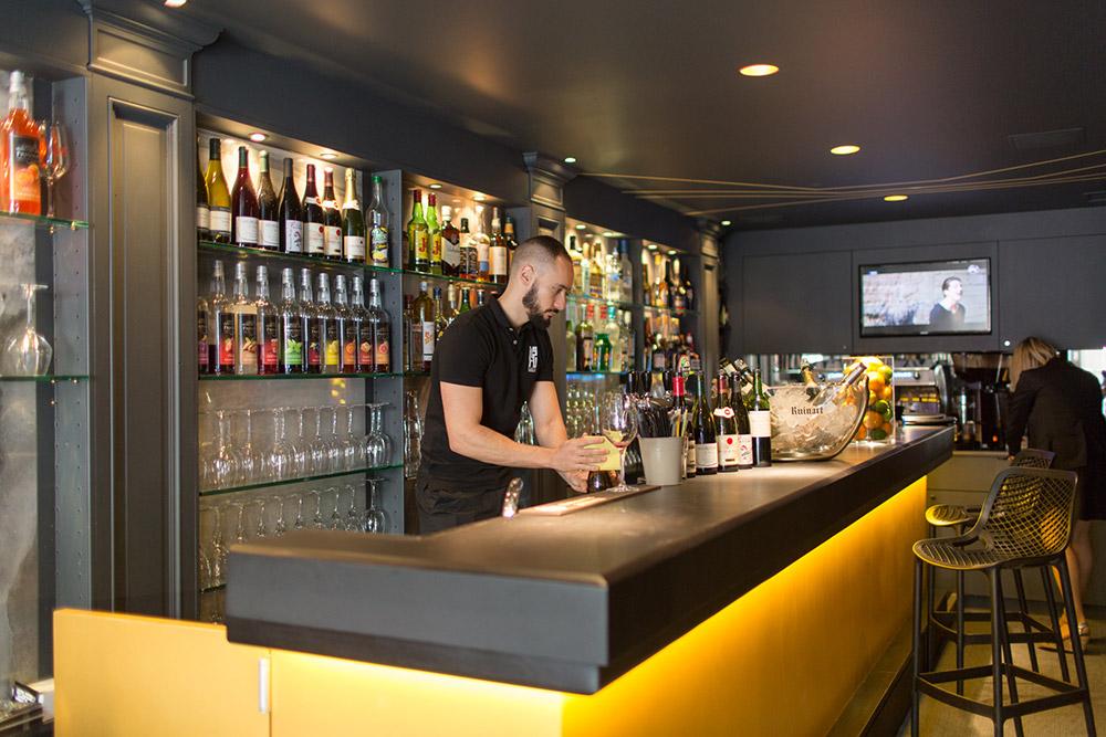 Au-Bar